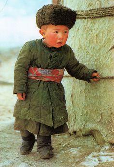 Kyrgyz child. Wakhan, Afghanistan.  1984.     Afghan Images Social Net Work:  سی افغانستان: شبکه اجتماعی تصویر افغانستان http://seeafghanistan.com
