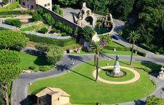 ITALIA - ROMA - EUROPA     Hermosos jardines del   Vaticano.
