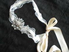 Mother of the Bride - Blog de Casamento e Dicas de Casamento para Noivas - Por Cristina Nudelman: Acessórios de Noivas  http://www.motherofthebride.com.br/2011/08/acessorios-de-noivas.html#.UxoTAKU8hQo