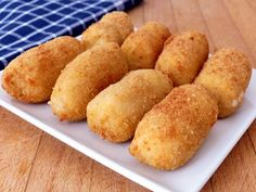 Cauliflower and cheese croquettes - Recetas - Vegetarian Recepies, Vegetable Recipes, Healthy Recipes, Tapas, Croquettes Recipe, Good Food, Yummy Food, Food Preparation, No Cook Meals