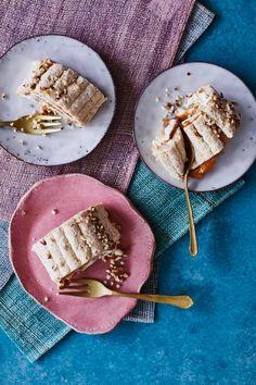 Rosmariini: istutus ja hoito | Meillä kotona Banoffee, A Food, Bread, Ethnic Recipes, Desserts, Kaneli, Tailgate Desserts, Deserts, Brot