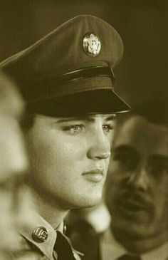 Private Elvis Presley