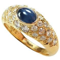 1stdibs | VAN CLEEF & ARPELS Diamond & Sapphire Yellow Gold Dome Ring