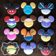 Best Ideas for cupcakes disney mickey Fancy Cookies, Iced Cookies, Cute Cookies, Royal Icing Cookies, Cookies Et Biscuits, Cupcake Cookies, Summer Cookies, Cookie Favors, Flower Cookies