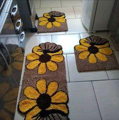 Crochet Butterfly, Hand Hooked Rugs, Frou Frou, Rug Hooking, Floor Mats, Shag Rug, Weaving, Decoration, Pattern