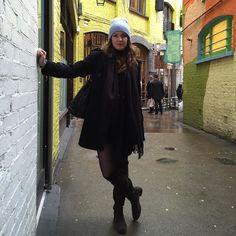 Hi!!  #london #londoner #londondays #londonfashion #fashion #fashionblog #fashionista #fashionpost #fashiondiaries #fashionblogger #blog #blogger #bloggerstyle #itgirl #trendsetter #influencer #instagramer #style #styleblogger #love #look #outfit by carlottadaniele