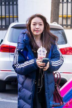 Girl's Day MinAh Girls Day Minah, Girl Day, Airport Fashion, Airport Style, Pop Fashion, Girl Fashion, Bang Minah, Down Puffer Coat, Celebs