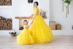 Mom Daughter Matching Dresses, Mom And Baby Dresses, Mommy And Me Outfits, Mother And Daughter Dresses, Party Wear Dresses, Birthday Dresses, Most Expensive Dress, Mother Daughter Fashion, Kids Frocks Design