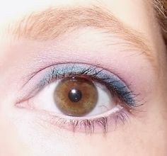 Little Chic Mama: Teal and Purple  Fun way to add some colour into a familiar make up style look :D