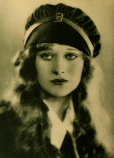 Delores Costello, Drew Barrymore's grandmother