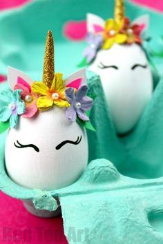 Unicorn Crafts easter littleunicorn Unicorn Egg Decorating Super fun and EASY Unicorn DIY Eggs Gorgeous little Unicorn eggs for Easter Love these Easter Egg Unicorns unicorns easter eggs Funny Easter Eggs, Easter Crafts For Kids, Crafts For Teens, Diy And Crafts, Preschool Crafts, Cool Crafts For Kids, Easter Dyi, Easy Crafts, Unicorn Egg