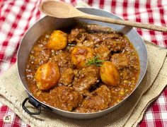 Calamari, Curry, Ethnic Recipes, Food, Life, Easy Meals, Baking, Meal, Essen