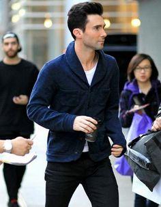 Adam Levine in Vancouver. He looks sharp!