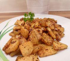 Bratkartoffeln sind einfach etwas köstliches! Leider enthält eine durchschnittliche Portion Bratkartoffeln aber auch einiges an Kohlenhydraten. Genau deshalb gibt es heute eine leckere Low Carb Alternative für Bratkartoffeln - nämlich Low Carb Bratkartoffeln aus Kohlrabi! 😃 Vielleicht kennt sie ja schon jemand. Wenn ihr sie aber noch nie probiert habt, dann wird es allerhöchste Zeit! 😃
