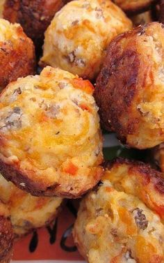 CREAM CHEESE SAUSAGE BALLS 1 lb hot sausage, uncooked 8 oz cream cheese, softened 1 cups Bisquick 4 oz cheddar cheese, shredded Preheat oven to Mix all ingredients until well combined. (I use my KitchenAid mixer with the dough hook attachment) Finger Food Appetizers, Appetizers For Party, Appetizer Recipes, Christmas Party Appetizers, Sausage Appetizers, Finger Foods For Christmas, Party Appetisers, Tailgate Appetizers, Dinner Recipes