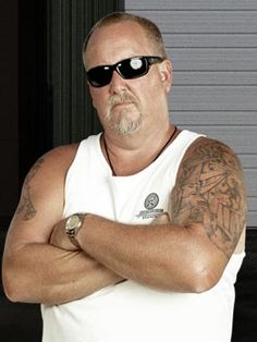 Storage wars has made this guy a D list celeb, I suppose, but everytime I watch this show I want to punch him in the face!