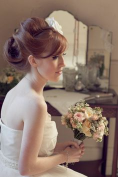 Beautiful up-do. Oh auburn haired beauty you...
