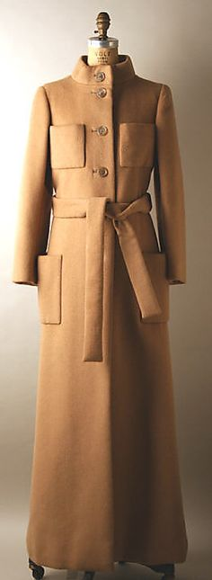 Evening coat Norman Norell  (American, Noblesville, Indiana 1900–1972 New York) Date: 1972 Culture: American Medium: wool