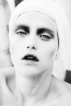 """Stillness"" | Model: Lorena, Concept & Photographer: Roxana Enache, IDOL Magazine (UK), March 2014"