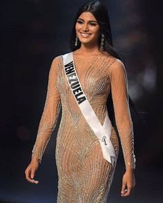 Miss Universe 2018 runner up Sexy Wedding Dresses, Sexy Dresses, Miss Universe Dresses, Most Beautiful Women, Beautiful People, Light Olive Skin, Braces Girls, Miss World, Beauty Pageant