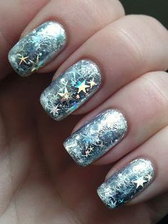 I am showcasing inspiring winter nail art designs and ideas of for girls. Give a glittery touch to your nails. For Christmas, make Santa Claus' hat, snowflakes, bobbles and different chilled patterns to enhance your nails. Gorgeous Nails, Love Nails, Pretty Nails, Amazing Nails, Nail Art Designs 2016, Cute Nail Designs, Winter Nail Art, Winter Nails, Spring Nails