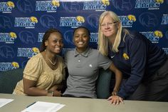 Rock Valley College's Marquiesha Grant signed a National Letter of Intent today to continue her academic pursuits and basketball career at the University of Wisconsin-Milwaukee, an NCAA Division I university that participates in the Horizon League.