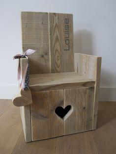 Kinderstoel van steigerhout 'sweet heart' | Te koop by w00tdesign