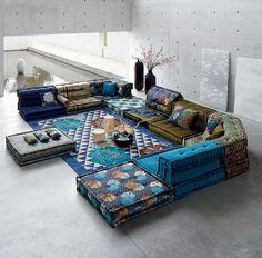Mah Jong: an icon - Roche Bobois Sofa Design, Interior Design, Floor Couch, Floor Pillows, Living Room Sofa, Living Room Decor, Living Room Seating, Mah Jong Sofa, Modul Sofa