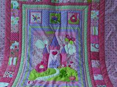 Farbenfrohe Decke mit Motiv! von Meine bunte Flickenecke auf DaWanda.com