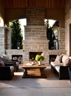 Rivera Fine Homes builds custom luxury estate homes in Toronto, G.T.A.