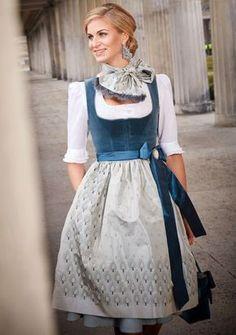 Dirndl Marie by Susanne Spatt - Metarnews Sites Drindl Dress, German Costume, German Outfit, Folk Fashion, Mode Inspiration, Traditional Dresses, Pretty Outfits, Sexy Dresses, Designer Dresses