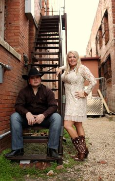 Engagement pictures in the Ft. Worth Stockyards   www.ballandchainbullbash.com