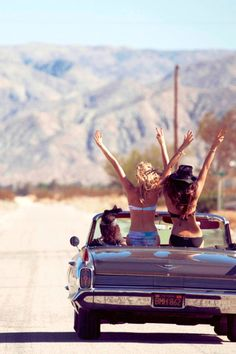 9 Summer Roadtrip Essentials and Tips to keep you sane!
