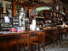 Gorgeous Bar El Federal in San Telmo, Buenos Aires, Argentina. Palermo, Visit Argentina, Café Bar, Cafe Bistro, Photography Tours, Cool Cafe, World Pictures, Lovely Shop, Beer Garden