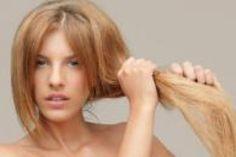 Pas facile de se débarrasser définitivement de ses cheveux secs ! Alors pour retrouver une chevelure brillante et en pleine santé, suivez les astuces et les conseils de Fabien Provost, Directeur Artistique chez Franck Provost. Vous pouvez désormais dire adieu à vos cheveux abimés !
