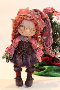 гномочка Fabric Doll Pattern, Fabric Dolls, Doll Patterns, Paper Dolls, Handmade Art, Handmade Dolls, Kokeshi Dolls, Dollhouse Dolls, Soft Dolls