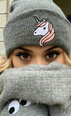she so cuteee omg - sylwia przybysz🐻 Knitted Hats, Idol, Winter Hats, Stars, Knitting, Makeup, Youtube, People, Christmas