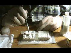 Hoy Rodson nos enseña a hacer sencillos moldes en látex para clonar en escayola nuestros elementos escenográficos, abriendo boca para el próximo Scratch Atta...