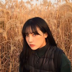 Find images and videos about girl, fashion and style on We Heart It - the app to get lost in what you love. Japanese Models, Japanese Girl, Korean Girl, Asian Girl, Cute Korean Fashion, Korean Photo, Rapper, Fringe Hairstyles, Beautiful Girl Image