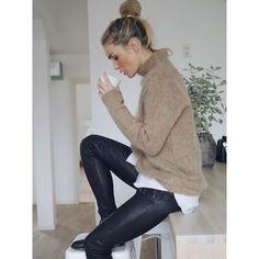 This sweater! ❤ More on www.camillapihl.no. #camillapihl #hmootd #camillapihlno