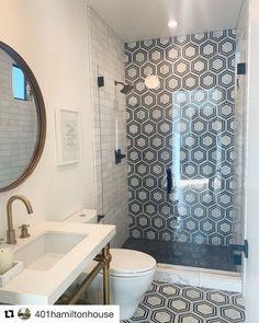 Bad Inspiration, Bathroom Inspiration, Bathroom Ideas, Bathroom Organization, Bathroom Remodeling, Remodel Bathroom, Boho Bathroom, Shower Ideas, Bathroom Hacks