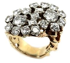 Elvis Presley's 10ct. diamond ring sold for $107,500 in 2009 #jewelry #jewellery #diamonds #elvis