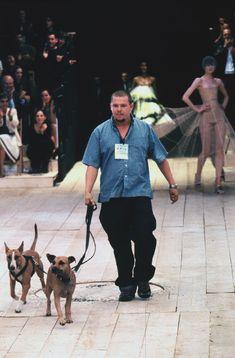 1999 - Alexander McQueen Show - Final Lee McQueen & dogs