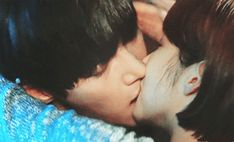 Love this drama ! Romantic Kiss Gif, Kiss And Romance, Drama Gif, O Drama, Healer Korean, Healer Kdrama, Ji Chang Wook Healer, Ji Chang Wook Photoshoot, Bed Scene