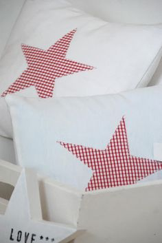 Red and White Gingham Star Pillows Sewing Pillows, Diy Pillows, Nordic Christmas, Red Christmas, Red Cottage, Red Gingham, Twinkle Twinkle Little Star, Xmas Decorations, Soft Furnishings