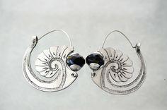 Ethnic earrings por ArgollasTravieso en Etsy, €30.00