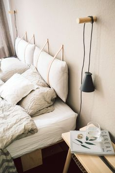 Smart Home: How a lighting system makes everyday life easier .- Smart Home: Wie ein Beleuchtungssystem uns den Alltag erleichtert Advertising Unique Home Decor, Diy Home Decor, Home Bedroom, Bedroom Decor, Small Bedroom Storage, Wood Curtain, Curtain Rods, Home Automation, Home Decor Kitchen
