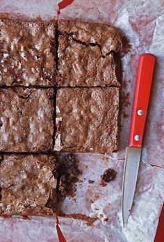 Katharine Hepburn's Brownies | Leite's Culinaria (Who knew Katharine Hepburn was as adept at baking as she was at acting? These fudge brownies with a crackly top may just convince you she missed her true calling.)