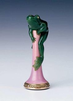 Fabergé. Desk seal featuring a frog.