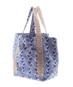 Roberta Roller Rabbit Beach Bag 3    What's not to love? Big enough to lug the kids' beach balls and sand toys, this pretty patterned bag still has room for all the things you need for a day of fun in the sun. Plus, there are pockets inside and out to provide easy access to your keys, phone, or wallet.